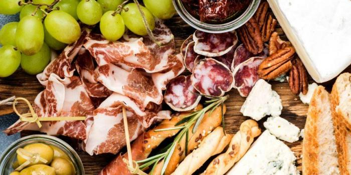 BUFFET FROMAGE ET CHARCUTERIE